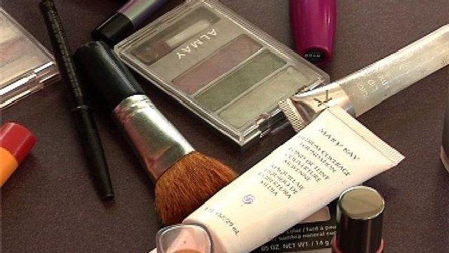 Dermatologist says certain makeup ingredients may cause cancer | WEYI