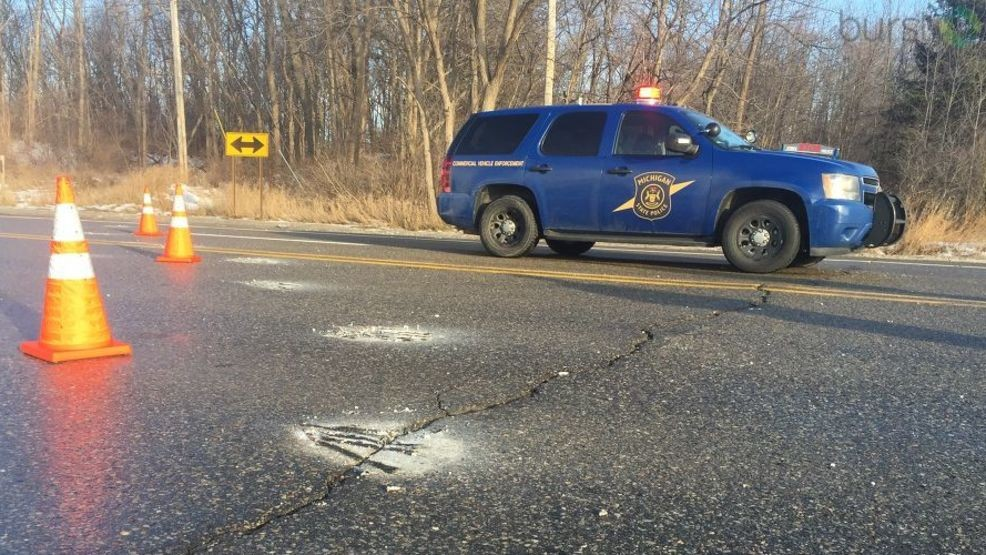 Michigan State Police investigating fatal crash on Dixie Highway | WEYI